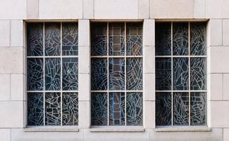 Mozaik jendela bangunan
