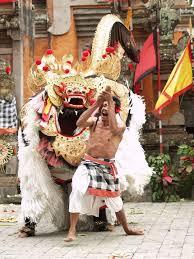 Kostum Tari Barong Bali