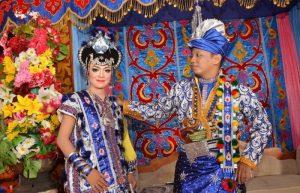 Pakaian Adat Suku Buton