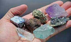 What is the Difference Between a Mineral and a Mineraloid? | Geology Page