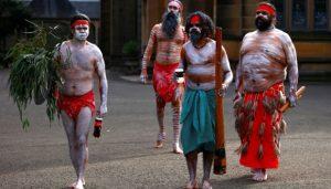 Pakaian Suku Aborigin