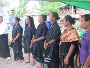 Pakaian Adat Suku Donggo