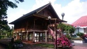 Rumah Adat Suku Serawai