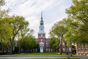 Universitas Dartmouth